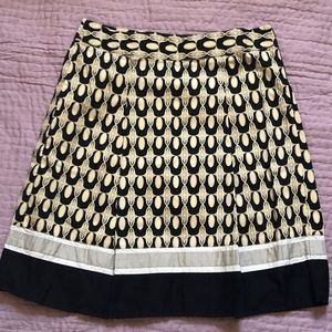 Ann Taylor A-Line size 6 black and beige skirt